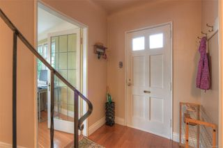 Photo 5: 2807 Irma St in : Vi Burnside House for sale (Victoria)  : MLS®# 860722