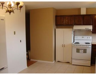 Photo 6: 203 PENMEADOWS Close SE in CALGARY: Penbrooke Residential Detached Single Family for sale (Calgary)  : MLS®# C3403189