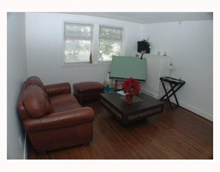 "Photo 2: 103 1545 W 13TH Avenue in Vancouver: Fairview VW Condo for sale in ""THE LEICESTER"" (Vancouver West)  : MLS®# V799945"