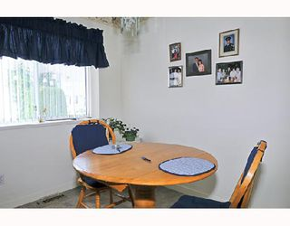 """Photo 6: 19 23580 DEWDNEY TRUNK Road in Maple_Ridge: Cottonwood MR Townhouse for sale in """"ST GEORGES VILLAGE CO-OPERATIVE"""" (Maple Ridge)  : MLS®# V719401"""
