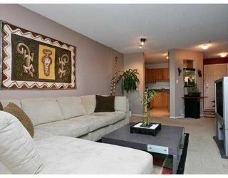 """Photo 2: 307 2335 WHYTE Avenue in Port_Coquitlam: Central Pt Coquitlam Condo for sale in """"CHANCELLOR COURT"""" (Port Coquitlam)  : MLS®# V726576"""