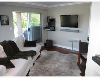 Photo 3: 201 2006 W 2ND Avenue in Vancouver: Kitsilano Condo for sale (Vancouver West)