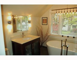 """Photo 3: 366 W 22ND Avenue in Vancouver: Cambie House for sale in """"CAMBIE"""" (Vancouver West)  : MLS®# V766783"""