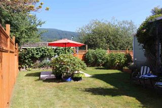 """Main Photo: 100 1413 SUNSHINE COAST Highway in Gibsons: Gibsons & Area Manufactured Home for sale in """"POPLARS MOBILE HOME PARK"""" (Sunshine Coast)  : MLS®# R2395962"""