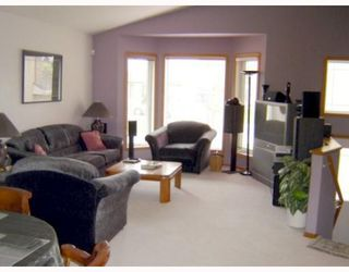 Photo 3: 71 AMANDA Crescent in WINNIPEG: West Kildonan / Garden City Residential for sale (North West Winnipeg)  : MLS®# 2910316