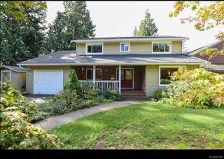 Photo 1: 215 Marida Pl in COMOX: CV Comox (Town of) House for sale (Comox Valley)  : MLS®# 825409