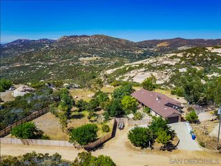 Photo 2: JAMUL House for sale : 3 bedrooms : 2091 Via Laura