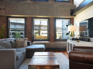 Photo 6: 504 528 BEATTY Street in Vancouver: Downtown VW Condo for sale (Vancouver West)  : MLS®# R2432235