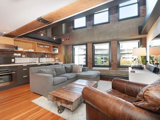 Photo 2: 504 528 BEATTY Street in Vancouver: Downtown VW Condo for sale (Vancouver West)  : MLS®# R2432235