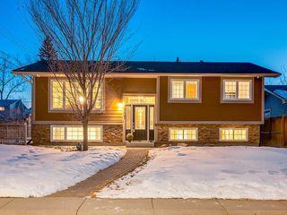 Photo 2: 10607 MAPLEBEND Drive SE in Calgary: Maple Ridge Detached for sale : MLS®# C4289445