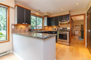 Photo 11: 839 Wavecrest Place in VICTORIA: SE Broadmead Single Family Detached for sale (Saanich East)  : MLS®# 424414