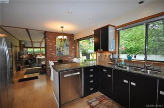 Photo 15: 839 Wavecrest Place in VICTORIA: SE Broadmead Single Family Detached for sale (Saanich East)  : MLS®# 424414