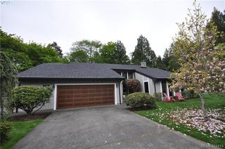 Photo 2: 839 Wavecrest Place in VICTORIA: SE Broadmead Single Family Detached for sale (Saanich East)  : MLS®# 424414