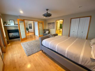 "Photo 12: 13545 SUNNYSIDE Drive: Charlie Lake House for sale in ""LAKESHORE"" (Fort St. John (Zone 60))  : MLS®# R2465835"