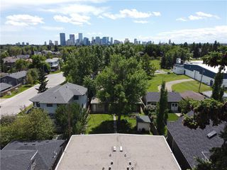 Photo 3: 607 24 Avenue NW in Calgary: Mount Pleasant Detached for sale : MLS®# C4305825