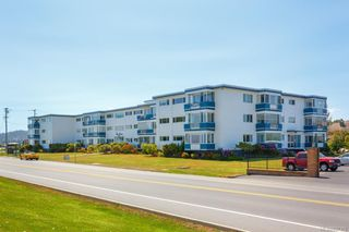 Main Photo: 206 9560 Fifth St in Sidney: Si Sidney South-East Condo for sale : MLS®# 837355
