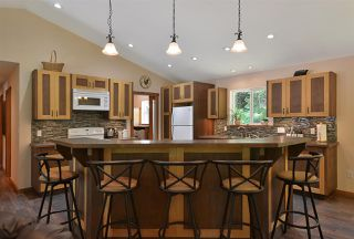 Photo 3: 6139 REEVES Road in Sechelt: Sechelt District House for sale (Sunshine Coast)  : MLS®# R2478933