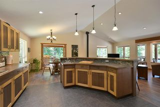Photo 5: 6139 REEVES Road in Sechelt: Sechelt District House for sale (Sunshine Coast)  : MLS®# R2478933