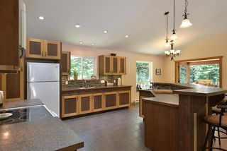 Photo 4: 6139 REEVES Road in Sechelt: Sechelt District House for sale (Sunshine Coast)  : MLS®# R2478933
