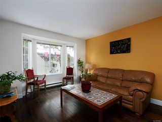 Photo 4: 5 3993 Columbine Way in : SW Tillicum Row/Townhouse for sale (Saanich West)  : MLS®# 856247