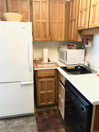 Photo 4: 302 1725 Cedar Hill Cross Rd in : SE Mt Tolmie Condo for sale (Saanich East)  : MLS®# 859028