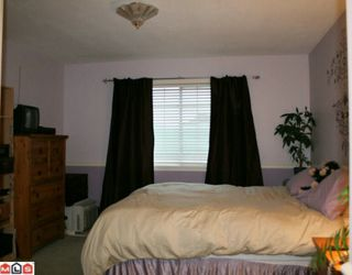 """Photo 7: 206 5830 176A Street in Surrey: Cloverdale BC Condo for sale in """"Clover Court"""" (Cloverdale)  : MLS®# F1001306"""