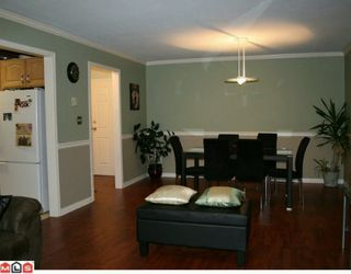 """Photo 4: 206 5830 176A Street in Surrey: Cloverdale BC Condo for sale in """"Clover Court"""" (Cloverdale)  : MLS®# F1001306"""