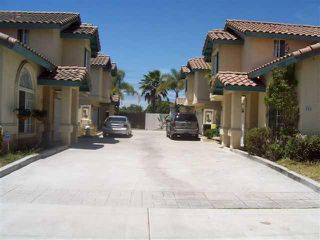 Photo 8: CHULA VISTA House for sale : 3 bedrooms : 556 Glover