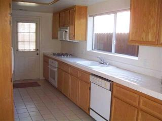 Photo 4: CHULA VISTA House for sale : 3 bedrooms : 556 Glover