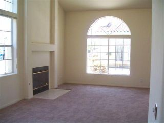 Photo 3: CHULA VISTA House for sale : 3 bedrooms : 556 Glover