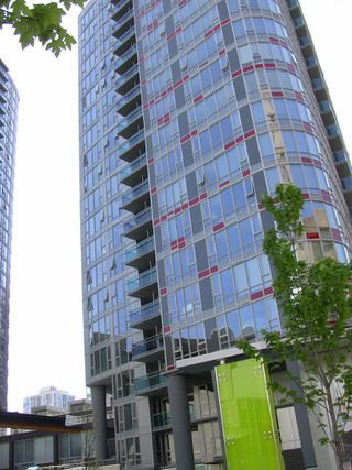 "Photo 12: 2202 788 HAMILTON Street in Vancouver: Downtown VW Condo for sale in ""TV TOWER I"" (Vancouver West)  : MLS®# V825585"