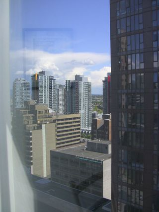 "Photo 18: 2202 788 HAMILTON Street in Vancouver: Downtown VW Condo for sale in ""TV TOWER I"" (Vancouver West)  : MLS®# V825585"