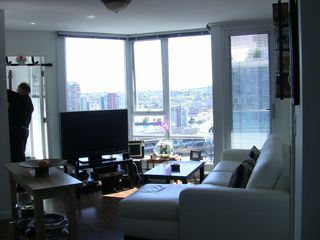 "Photo 2: 2202 788 HAMILTON Street in Vancouver: Downtown VW Condo for sale in ""TV TOWER I"" (Vancouver West)  : MLS®# V825585"