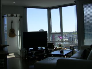 "Photo 14: 2202 788 HAMILTON Street in Vancouver: Downtown VW Condo for sale in ""TV TOWER I"" (Vancouver West)  : MLS®# V825585"