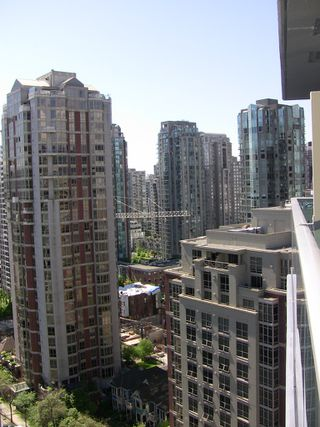 "Photo 24: 2202 788 HAMILTON Street in Vancouver: Downtown VW Condo for sale in ""TV TOWER I"" (Vancouver West)  : MLS®# V825585"