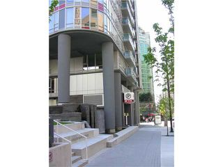 "Photo 3: 2202 788 HAMILTON Street in Vancouver: Downtown VW Condo for sale in ""TV TOWER I"" (Vancouver West)  : MLS®# V825585"