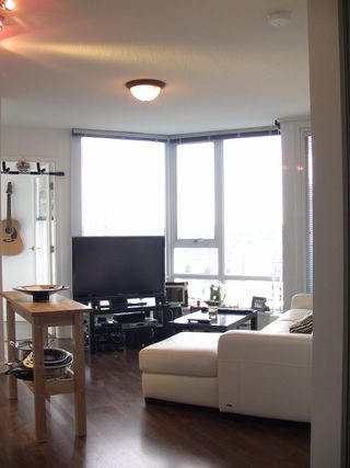"Photo 33: 2202 788 HAMILTON Street in Vancouver: Downtown VW Condo for sale in ""TV TOWER I"" (Vancouver West)  : MLS®# V825585"