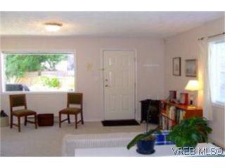 Photo 8: 1010 Colville Rd in VICTORIA: Es Old Esquimalt Half Duplex for sale (Esquimalt)  : MLS®# 482030