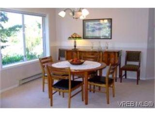 Photo 3: 1010 Colville Rd in VICTORIA: Es Old Esquimalt Half Duplex for sale (Esquimalt)  : MLS®# 482030