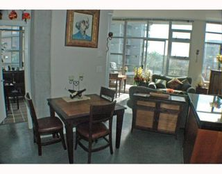 Photo 7: 408 2635 PRINCE EDWARD Street in Vancouver: Mount Pleasant VE Condo for sale (Vancouver East)  : MLS®# V766689