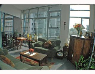 Photo 5: 408 2635 PRINCE EDWARD Street in Vancouver: Mount Pleasant VE Condo for sale (Vancouver East)  : MLS®# V766689