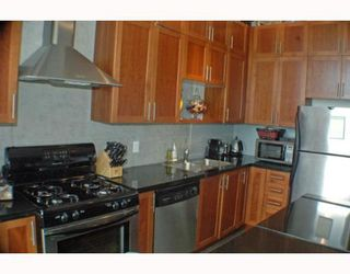 Photo 2: 408 2635 PRINCE EDWARD Street in Vancouver: Mount Pleasant VE Condo for sale (Vancouver East)  : MLS®# V766689