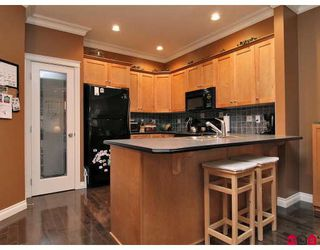 """Photo 2: 11 36260 MCKEE Road in Abbotsford: Abbotsford East Townhouse for sale in """"KINGS GATE"""" : MLS®# F2914523"""