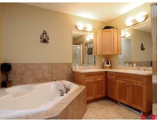 """Photo 6: 11 36260 MCKEE Road in Abbotsford: Abbotsford East Townhouse for sale in """"KINGS GATE"""" : MLS®# F2914523"""
