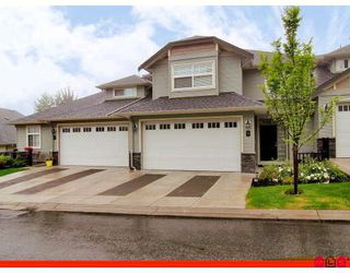 """Photo 1: 11 36260 MCKEE Road in Abbotsford: Abbotsford East Townhouse for sale in """"KINGS GATE"""" : MLS®# F2914523"""