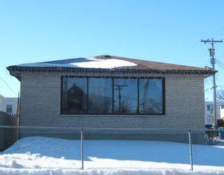 Photo 1: 212 WASHINGTON Avenue in WINNIPEG: East Kildonan Residential for sale (North East Winnipeg)  : MLS®# 2803737