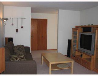 Photo 2: 212 WASHINGTON Avenue in WINNIPEG: East Kildonan Residential for sale (North East Winnipeg)  : MLS®# 2803737