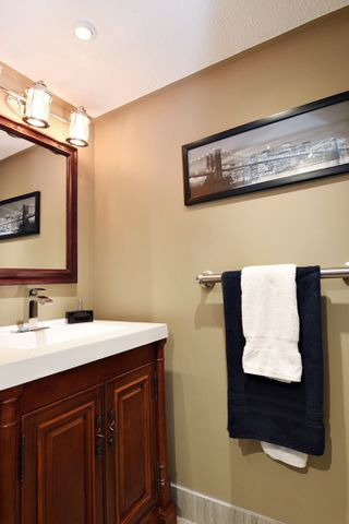 "Photo 10: 202 33090 GEORGE FERGUSON Way in Abbotsford: Central Abbotsford Condo for sale in ""TIFFANY PLACE"" : MLS®# R2413413"