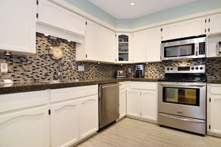 "Photo 5: 202 33090 GEORGE FERGUSON Way in Abbotsford: Central Abbotsford Condo for sale in ""TIFFANY PLACE"" : MLS®# R2413413"