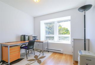 """Photo 7: 208 3709 PENDER Street in Burnaby: Willingdon Heights Townhouse for sale in """"LEXINGTON NORTH"""" (Burnaby North)  : MLS®# R2421868"""